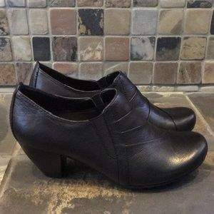 Bare Traps Leather Heels/Booties Size 7.5